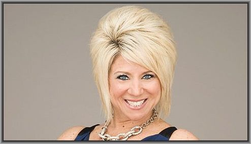famous-medium-theresa-caputo