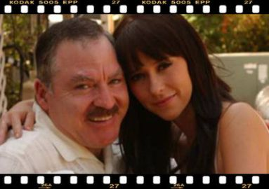 the-celebrity-psychic-james-van-praagh-and-jennifer-love-hewitt